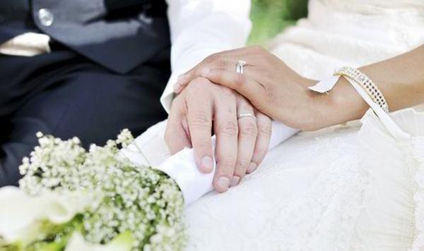 Mơ thấy người yêu hiện tại cưới vợ, cưới chồng (kết hôn)
