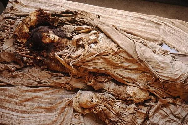 Nằm mơ thấy xác chết đánh con gì | Giải mã giấc mơ thấy xác chết trôi sông, chết đuối, chết không đầu...