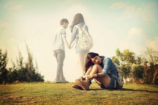 Mơ thấy người yêu mình có người khác báo điềm lành dữ ra sao?