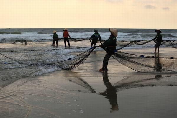 Nằm mơ thấy kéo lưới bắt cá