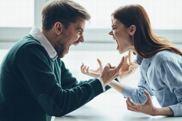 Nằm mơ thấy cãi nhau với người khác phái báo điềm gì?