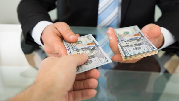 Nằm mơ dược người khác cho tiền mình là điềm báo gì?