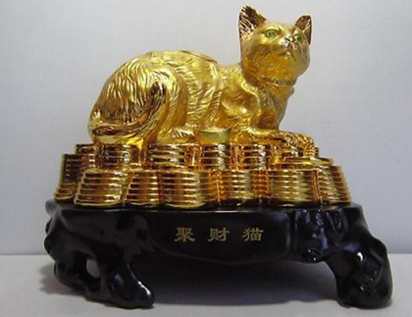Nằm mơ thấy mèo bằng vàng