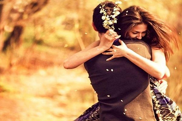 Nằm Mơ Thấy Người Yêu Cũ Ôm Mình Hôn Mình | 5 Điềm Báo