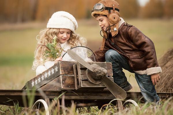 Nằm mơ thấy người yêu hiện tại đang trò chuyện với người thân của mình