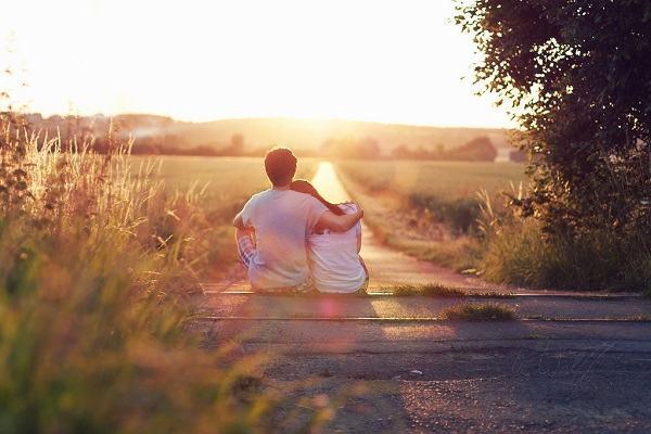 Nằm mơ thấy người yêu cũ nhắn tin muốn quay lại là điềm gì?