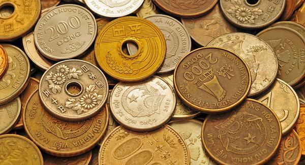 Nằm mơ thấy thầy cúng đang rải tiền xu đồng