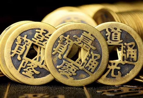 Nằm mơ thấy tiền xu đánh con gì trúng lớn và đem lại nhiều may mắn?