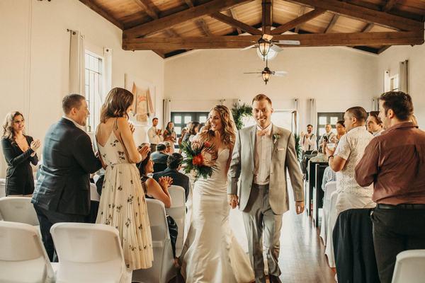 Mơ thấy đám cưới của mình với người khác