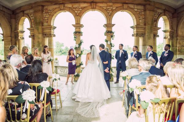 Người làm ăn buôn bán mơ đám cưới