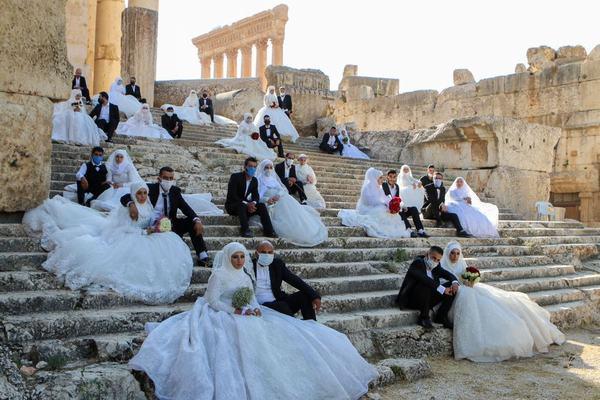 Nằm mơ thấy đi dự đám cưới của bạn thân