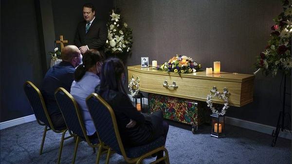 Nằm mơ thấy đám tang ông nội