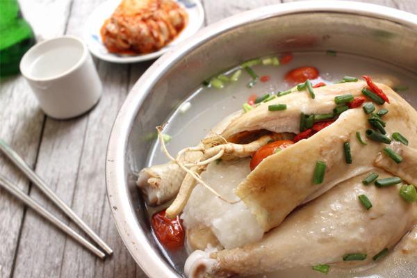 Nằm mơ thấy ăn thịt gà là điềm gì?