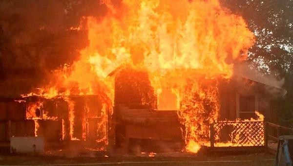 Phụ nữ nằm mơ tự châm lửa đốt nhà mình