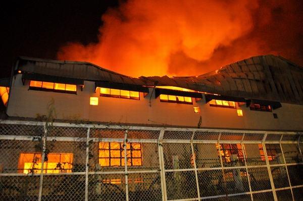 Nằm mơ thấy cháy nhà xưởng là điềm gì?