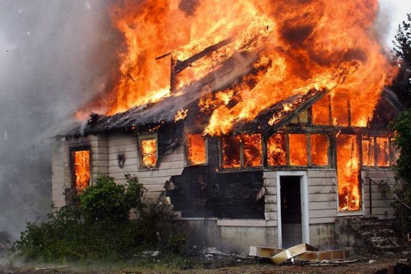 Nằm Mơ Thấy Cháy Nhà Đánh Con Gì | Giải Mã Giấc Mơ Thấy Nhà Mình, Nhà Người Khác, Cháy Nhà Hàng Xóm