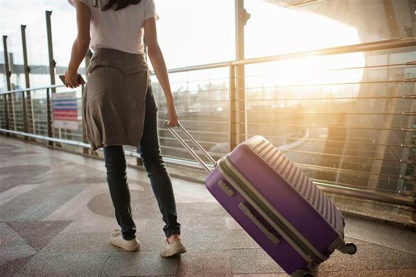 Nằm mơ thấy đi du lịch đánh con gì?