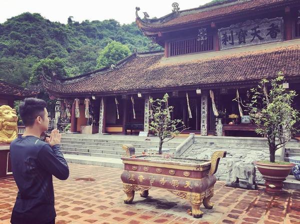 Nằm mơ thấy bạn đang đi lạc vào chùa có ý nghĩa gì?
