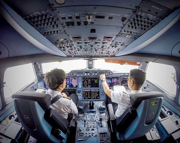 Nằm mơ thấy mình lái máy bay