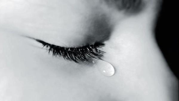 Việc mơ thấy mình khóc thường có nhiều ngữ cảnh cùng trạng thái khác nhau