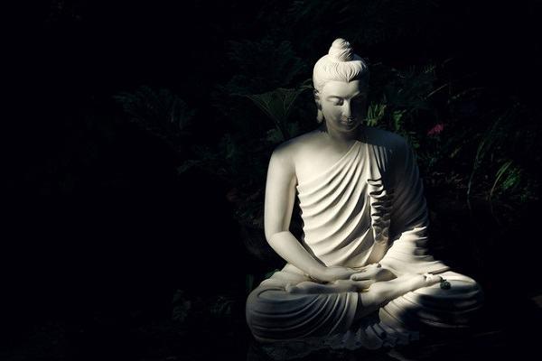 Nằm Mơ Thấy Phật Quan Âm, Phật Di Lặc, Phật Tổ Như Lai, Phật Thích Ca Đánh Con Gì?