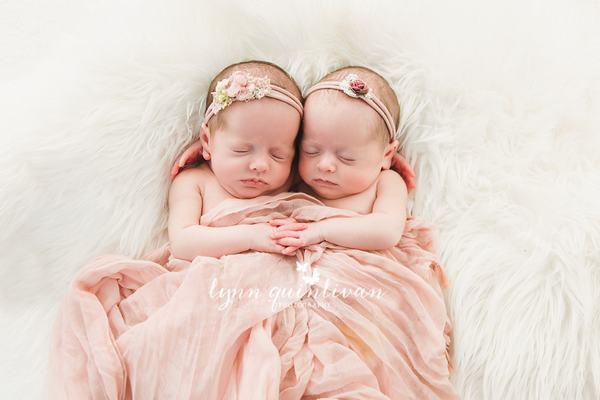Chiêm bao thấy trẻ sơ sinh sinh đôi