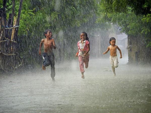 Giải mã giấc mơ thấy trời mưa nên đánh số gì?