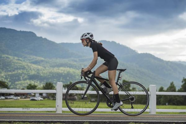Chiêm bao thấy đạp xe lên dốc