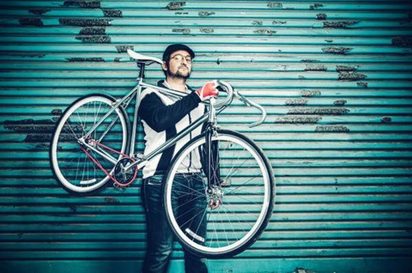 Chiêm bao thấy bạn đang vác, đẩy xe đạp