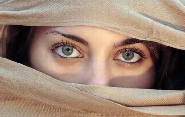 Nguyên nhân Hiện tượng nháy mắt phải dưới góc nhìn khoa học