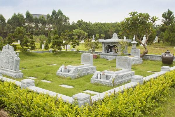 Giải mã giấc mơ thấy 2 ngôi mộ mang điềm báo gì?
