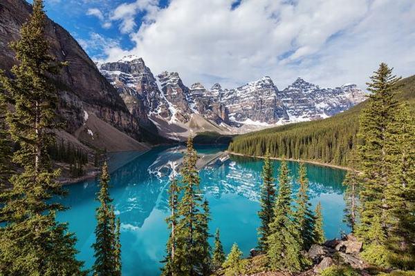 Nằm mơ thấy hồ nước đầy