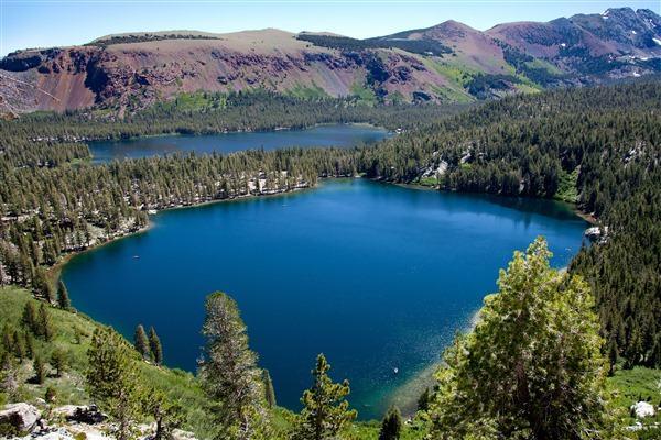 Nằm mơ thấy hồ nước trên núi