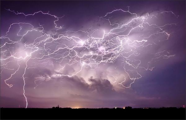 Nếu bạn mơ thấy sấm sét, chứng tỏ cuộc sống bạn đang có giông bão