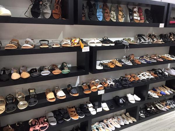 Mơ thấy đi giày dép