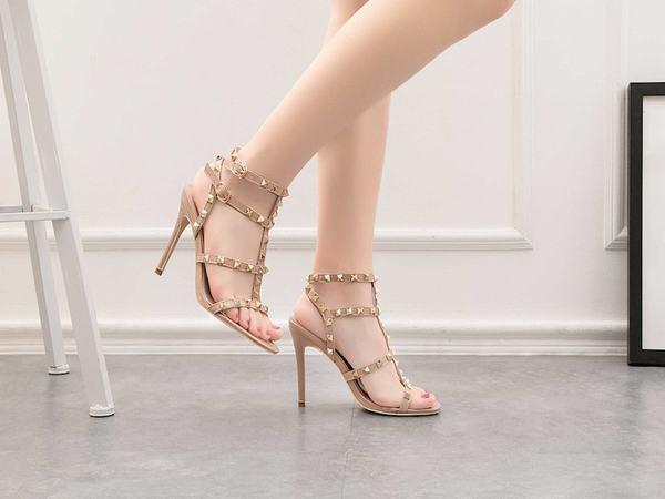 Mơ thấy giày cao gót